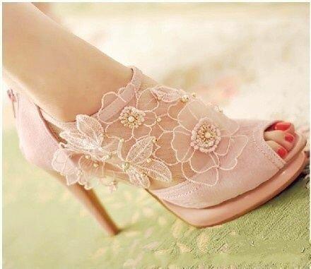 sandalia de renda