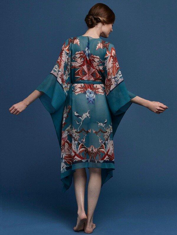 Meng-SS15-beach-wear-red-flower-print-silk-georgette-wrap-kaftan-forest