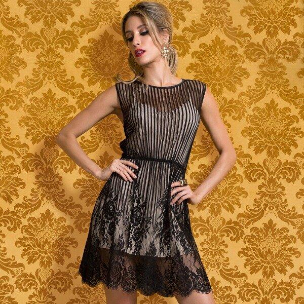 vestido-renda-chantilly-belles-modelo-frente